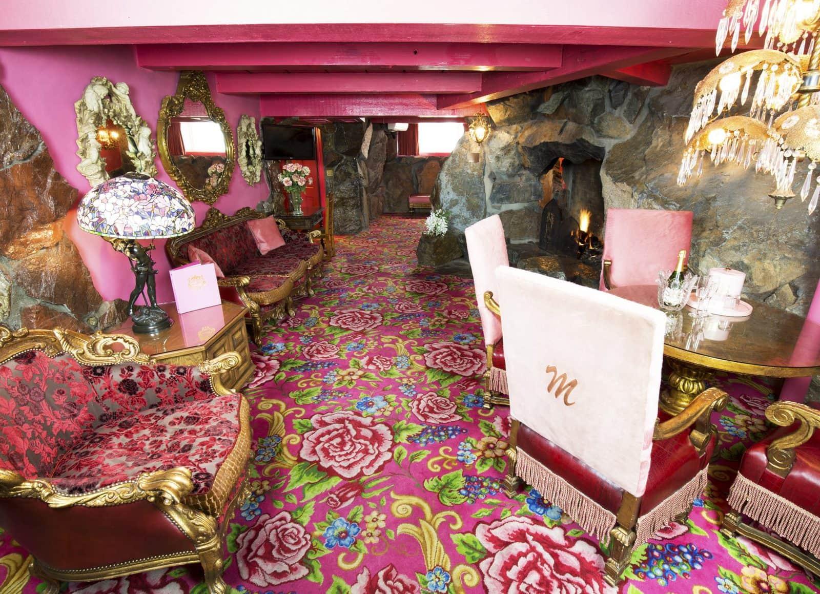 141-Madonna Suite