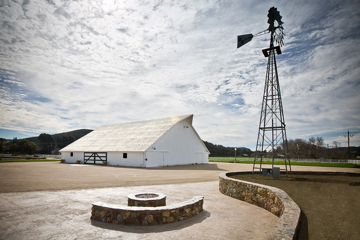 white-barn-photo7