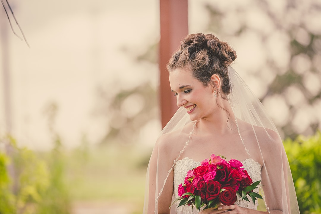 katelyn-bride-bouquet-bianchi