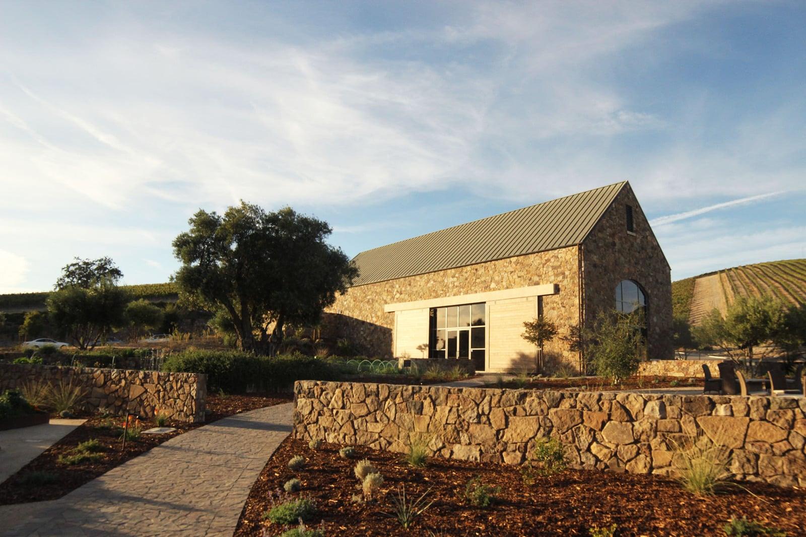 craft-winery-garden