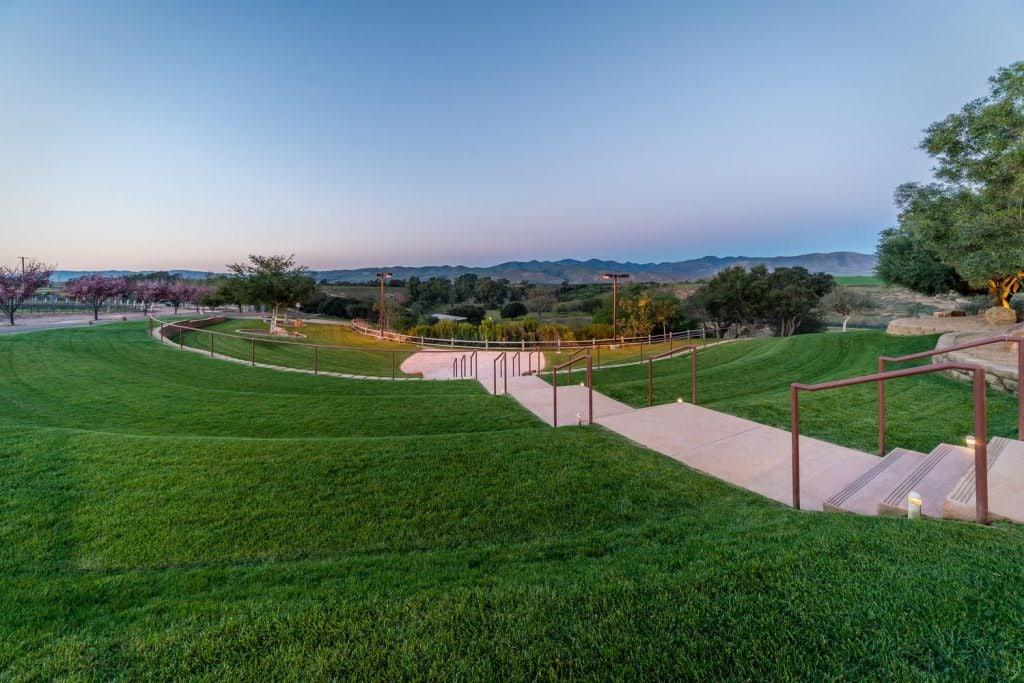 Cotton Wood Canyon-large-019-19-Beautiful Amphitheater View-1499x1000-72dpi